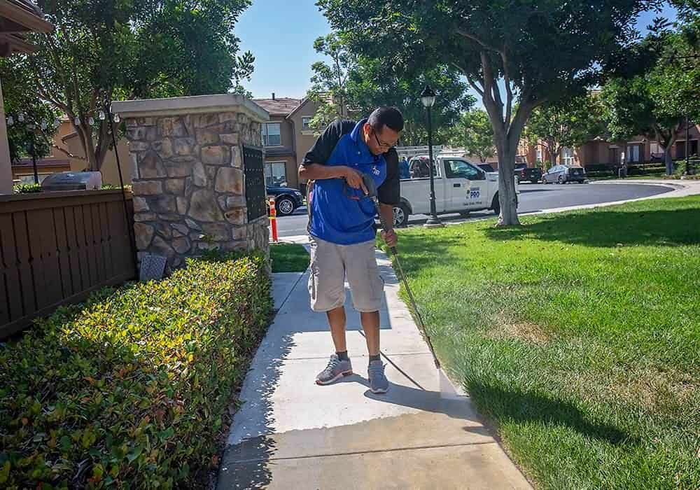 Orange County Squeegee Pro Pressure Washing Driveway and Walkway