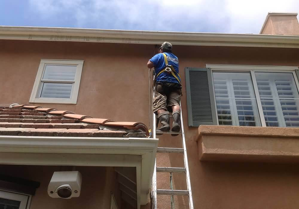 squeegee pro pressure washing orange county stucco and siding