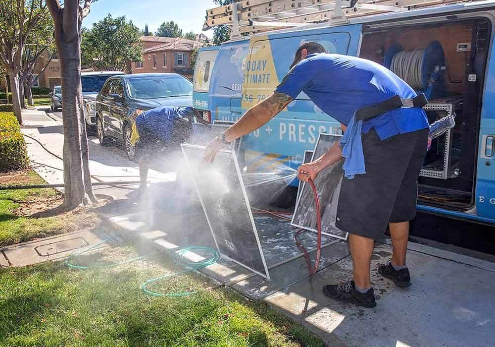 squeegee pro window cleaning orange county screen cleaning